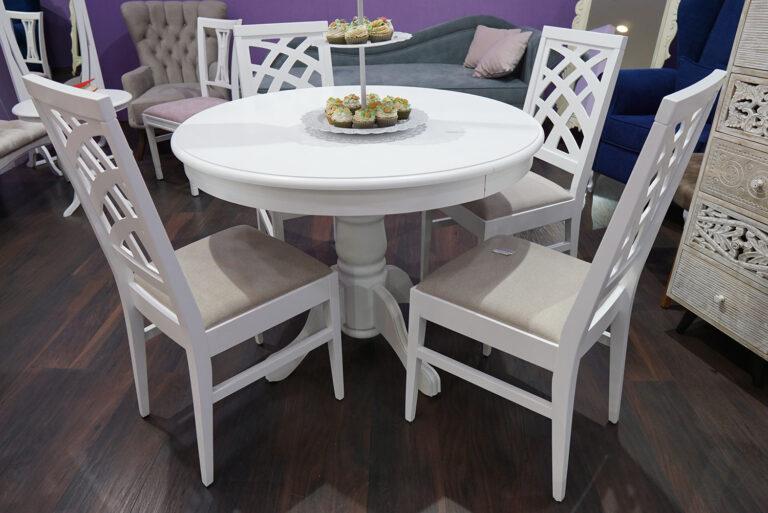 stolice i sto
